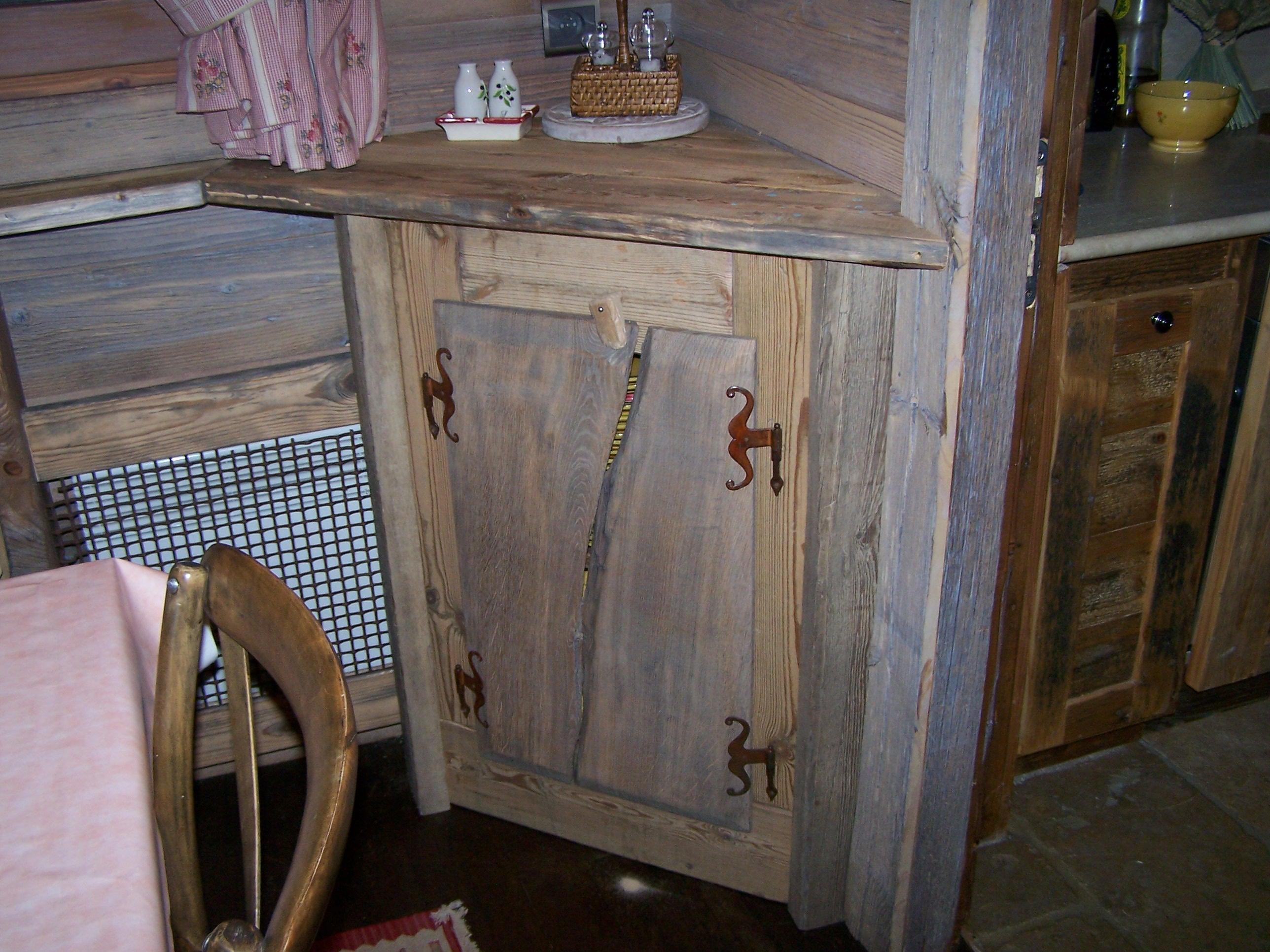 meuble tv vieux bois solutions pour la d coration int rieure de votre maison. Black Bedroom Furniture Sets. Home Design Ideas