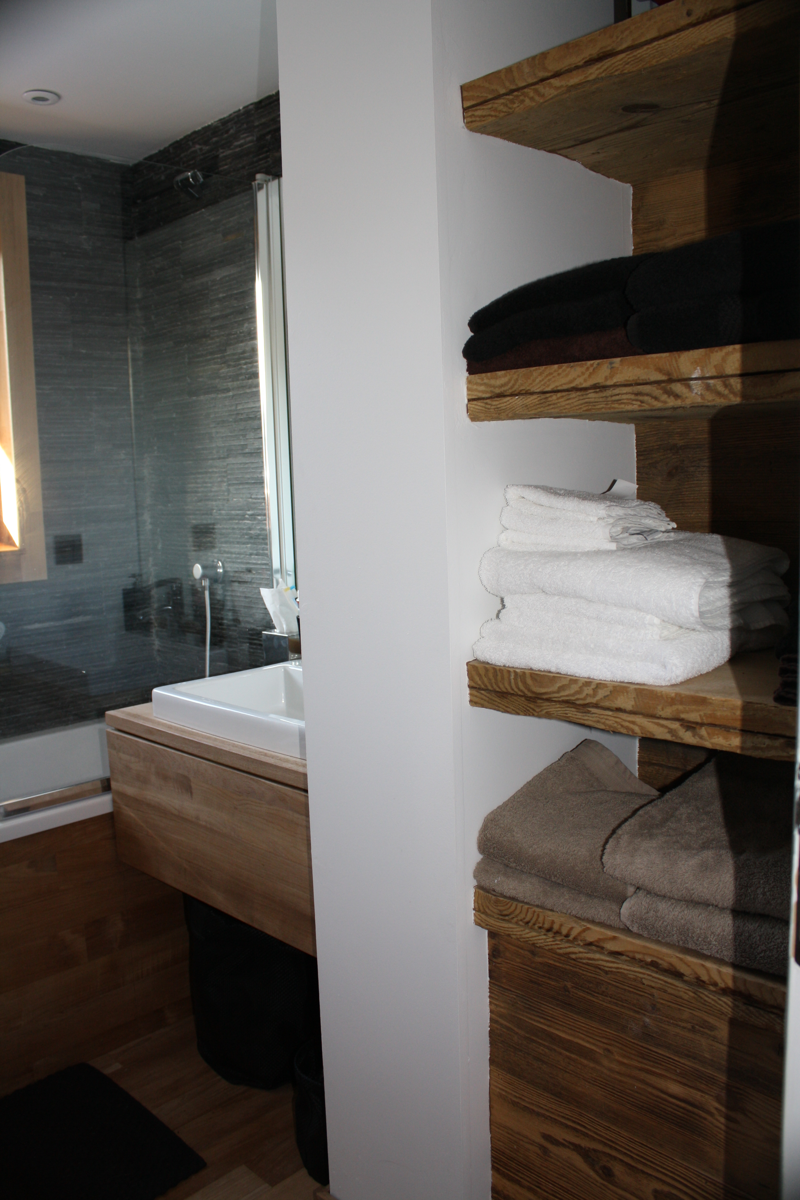 Meuble de salle de bain industriel: buffet industriel porte ...